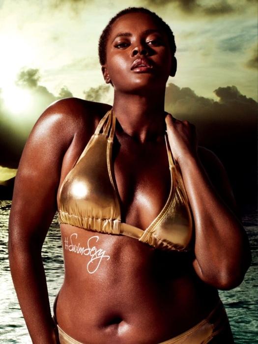"11.fev.2016 - Além de Nicola Griffin, estrela a campanha ""#SwimSexy"", da marca Swimsuits for All, a modelo Philomena Kwao"