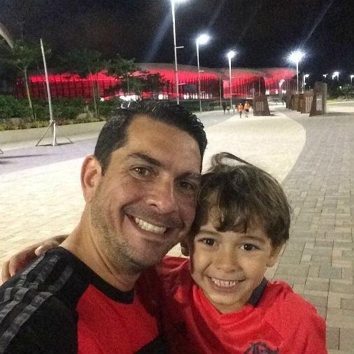 Fernanda Ramos enviou foto do Bernardo com o papai Adriano no Parque Olímpico do Rio de Janeiro (RJ)