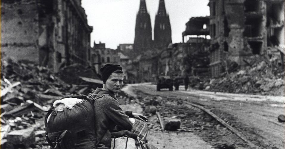 Jovem alemã em imagem registrada em 1945