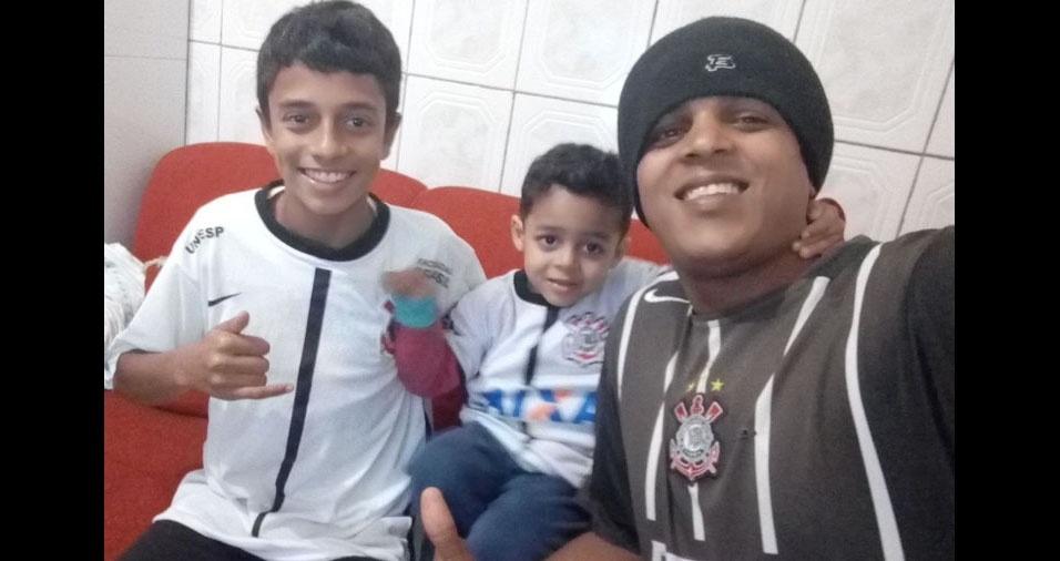 José com os filhos Kleberson e Nicolas, de Taboão da Serra (SP)