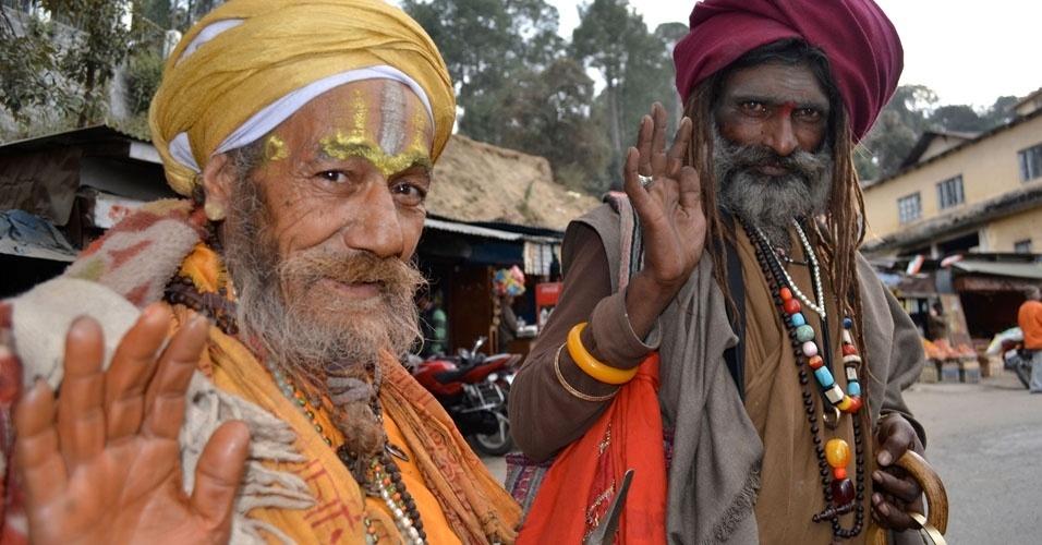 27. Na Índia, são faladas 1.721 línguas, sendo 122 as principais