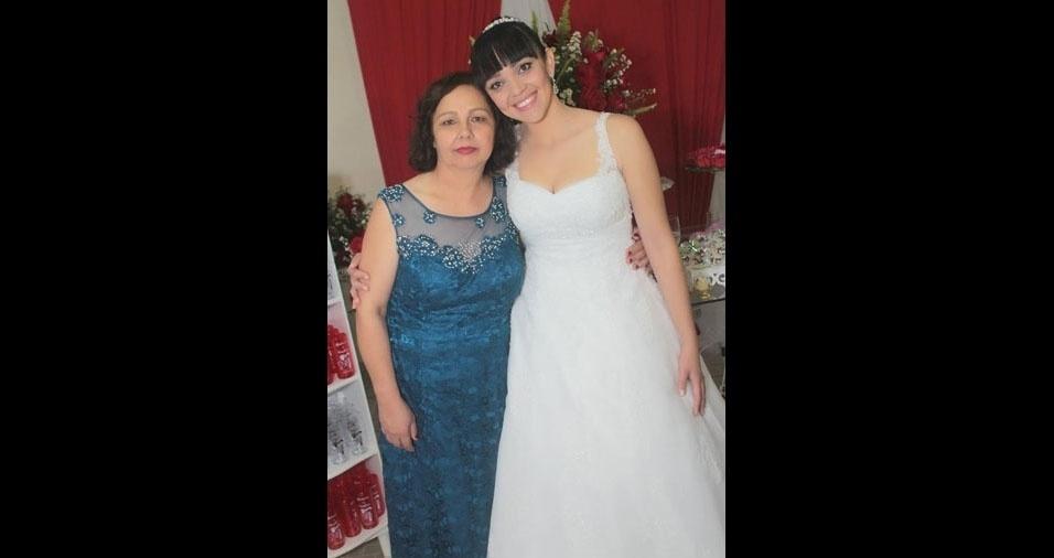 """Gismara dos Santos Martins com sua rainha Aurinéia Maria dos Santos, de Regente Feijó (SP): """"Mãe, eu te amo. Você é meu maior exemplo."""""""