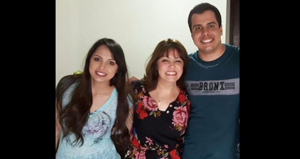 """""""Amor maior"""", define a mamãe Paula Souza De Gino sobre o que sente pelos filhos Izabella e Giovanni. Eles moram em São Paulo (SP)"""