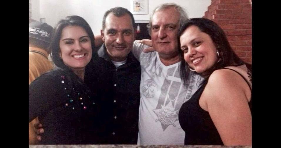 Papai Ariovaldo com os filhos Carla, Alex e Martha, de São Paulo (SP)