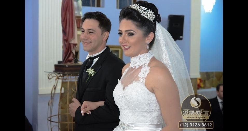 Shirlei Grasiele e Luis Gustavo Gascó se casaram no dia 27 de agosto de 2016, na Paroquia Santo Expedito, em Guaratinguetá (SP)