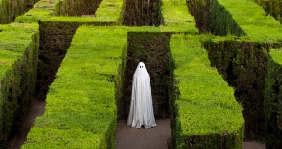13. O que você faria se estivesse passeando em um jardim com um labirinto e, de repente, se encontrasse com um fantasma?