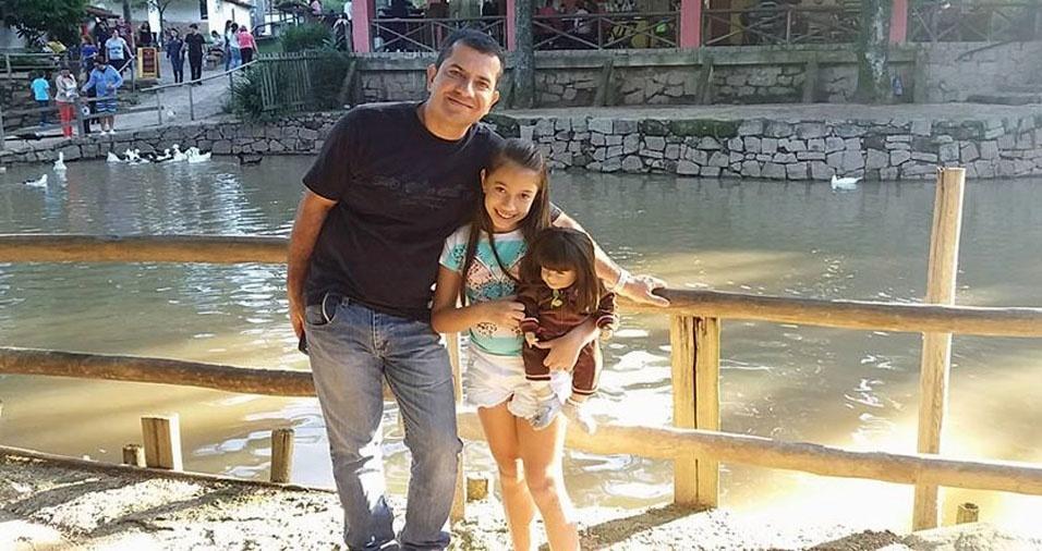 O papai Ronaldo Vaz Cordeiro com sua filha Maria Eduarda Barbosa Cordeiro, de São Paulo (SP)