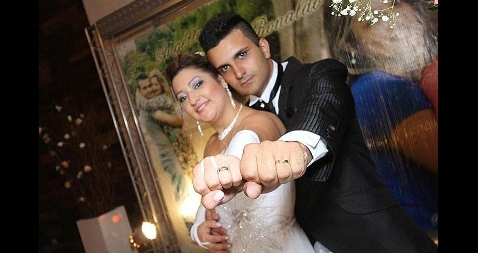 """Angélica de Souza Cabral se casou no dia 03/05/2014 com Ronaldo Ferreira, e conta: """"Estou super feliz"""""""