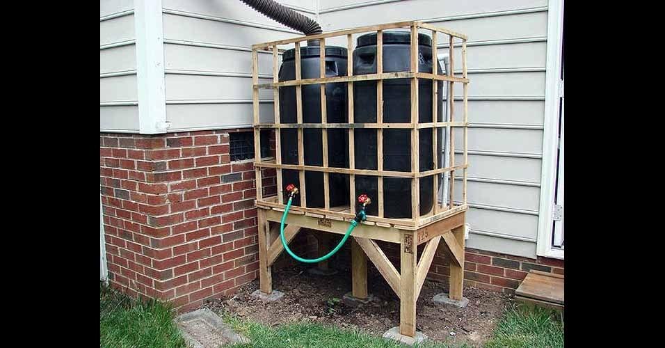 45 utilidades diferentes para reutilizar a madeira dos for Tambores para agua
