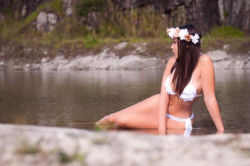 6.jan.2017 - Em 2016, Ana Luiza Neves investiu na carreira de sósia, fez shows por todo o país e, por fim, participou do concurso de beleza Musa do Brasil, do qual foi finalista