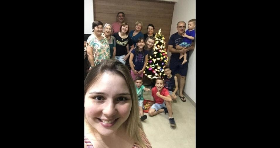 """Vilmar José: """"Novena em nossa casa. Eu, minha esposa e alguns de nossa família, inclusive meu netinho Théo"""""""