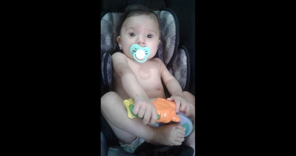 Olha a chupeta do Davi, de sete meses. Foi a mamãe Helithania quem enviou a foto