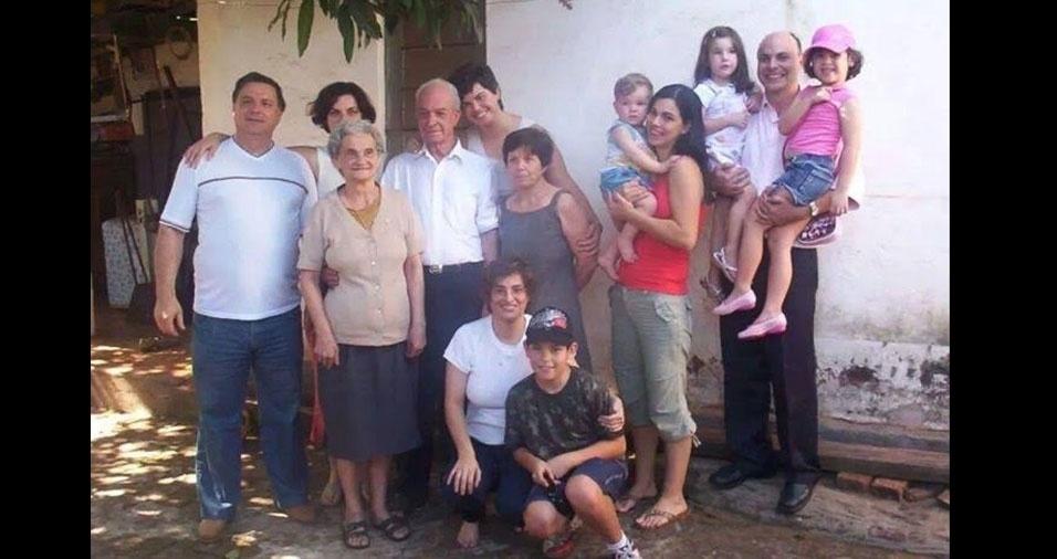 A saudosa família Garcia homenageia a matriarca Jandira