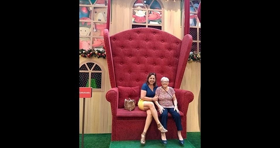 Zulmira Leal garante que a mamãe, dona Maria Jordão, se comportou muito bem durante o ano todo, e vai ganhar presente do papai Noel