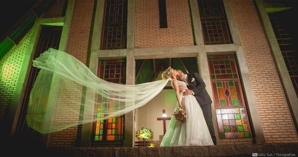 Renata Duarte Lourenço Sanches e João Antônio Sanches Neto se casaram em 17/09/2016, na Capela de Santo Expedito, em Votuporanga (SP)