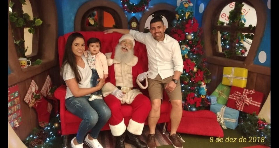 Feliz Natal para Welton Cardoso, Samara Souza e para a filha Maria Helena, de São Bernardo do Campo (SP)