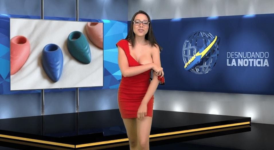 11.jul.2015 - Sem sutiã, Gabrielle segue tirando seu vestido