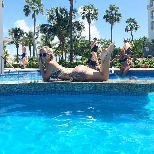 16.set.2016 - Thalita Zampirolli renova o bronzeado e exibe suas curvas em Cancún, no México