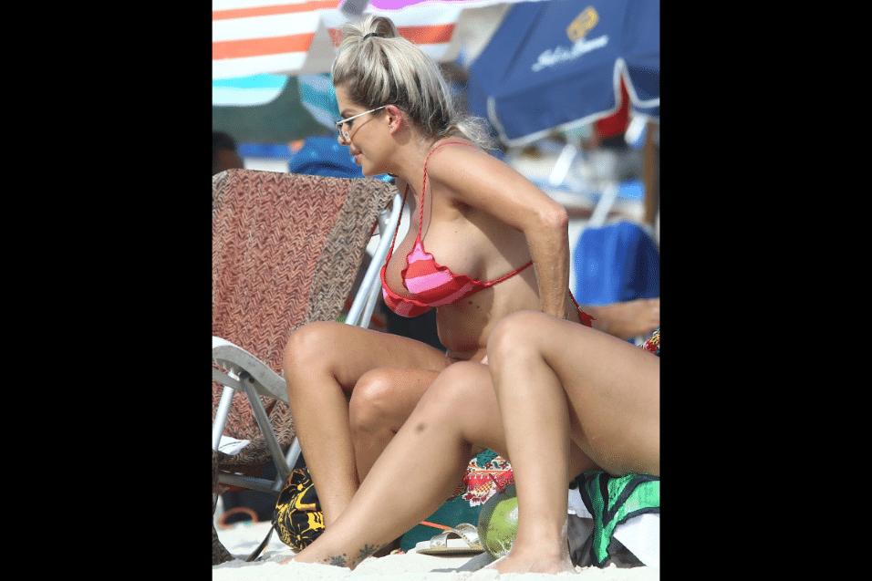 5.mar.2017 - Em 2016, Karina Bacchi se separou do publicitário Sérgio Amon