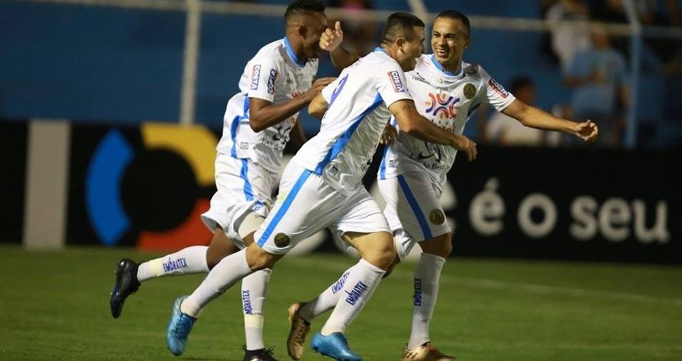 ba177a7ad1 Marcelo Mattos é liberado de treino do Bota  Renato é mantido no ...