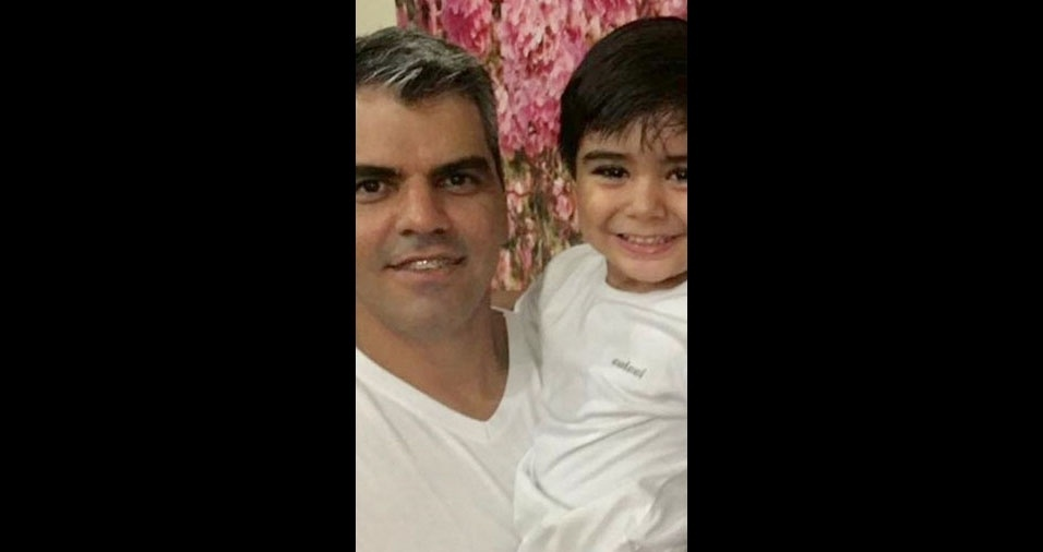 Bruno Leonardo, de Palmeiras de Goiás (GO), com o filho Matheus Felipe