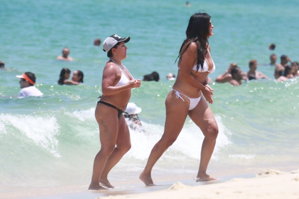5.fev.2017 - Aos 53 anos, Cristiana Oliveira já é avó