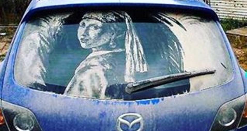 15. Que tal ter a obra do pintor holandês Johannes Vermeer retratada no seu carro?