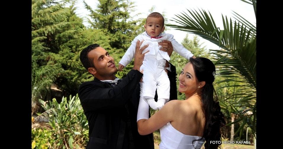Cassio Henrique e Marcela Ferreira se casaram na Igreja Matriz de Nossa Senhora Da Ajuda, em Três Pontas (MG), no dia 05 de julho de 2014