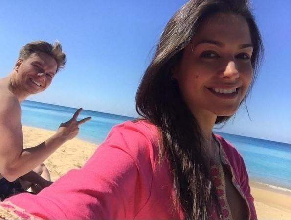 21.jan.2016 - Apaixonada, Thais Fersoza se declarou e parabenizou o cantor Michel Teló por seu aniversário. Casada com o músico há pouco mais de um ano, a atriz postou uma foto no Instagram com uma bonita legenda: