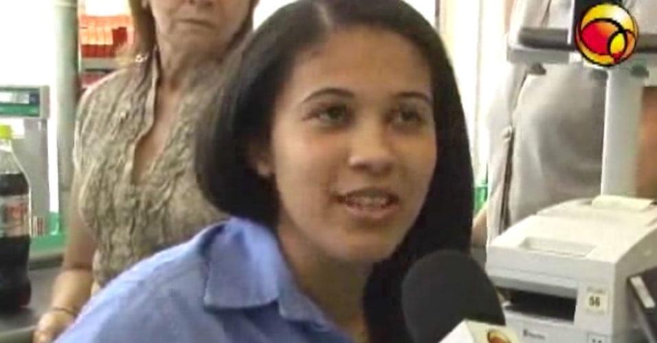 32. Rosilda Ferreira Brasil, do Rio de Janeiro, é a caixa de supermercado mais veloz do mundo. O recorde foi batido em fevereiro de 2009, quando Rosilda registrou e empacotou 50 produtos em 1 minuto e 53 segundos.