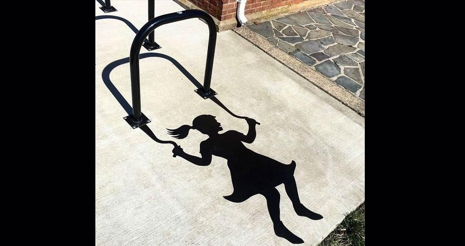 14. Garota pulando corda