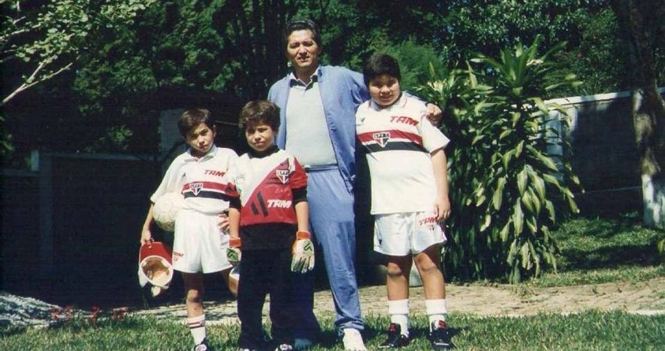 Em 1996, Roberto morava em Embú Guaçu (SP), com os filhos Rubens, Hugo e Roberto