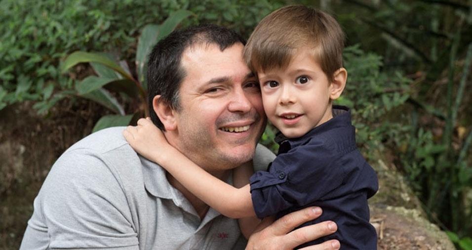Papai Alexandre com o filho Lorenzo, de Vista Alegre (RS)