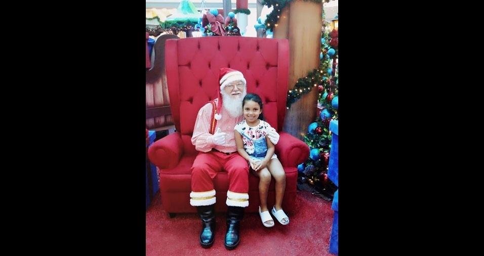 Rafael, de Mauá (SP), enviou foto da filha Maria Cecília com o papai Noel