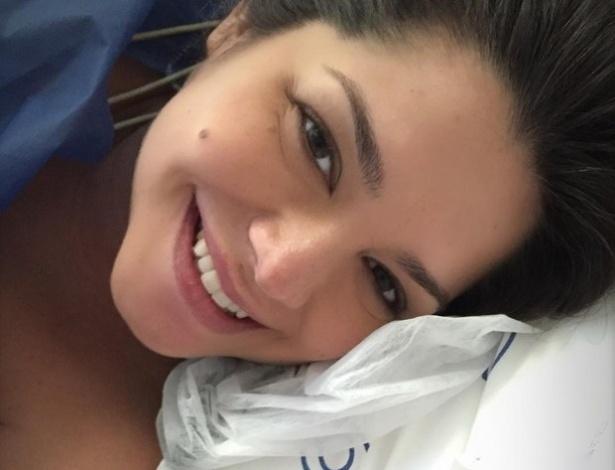 8.ago.2016 - Toda orgulhosa, a mais recente mamãe Thais Fersoza publicou em suas redes sociais uma foto ao lado da filha, a pequena Melinda, fruto do seu relacionamento com o sertanejo Michel Teló.
