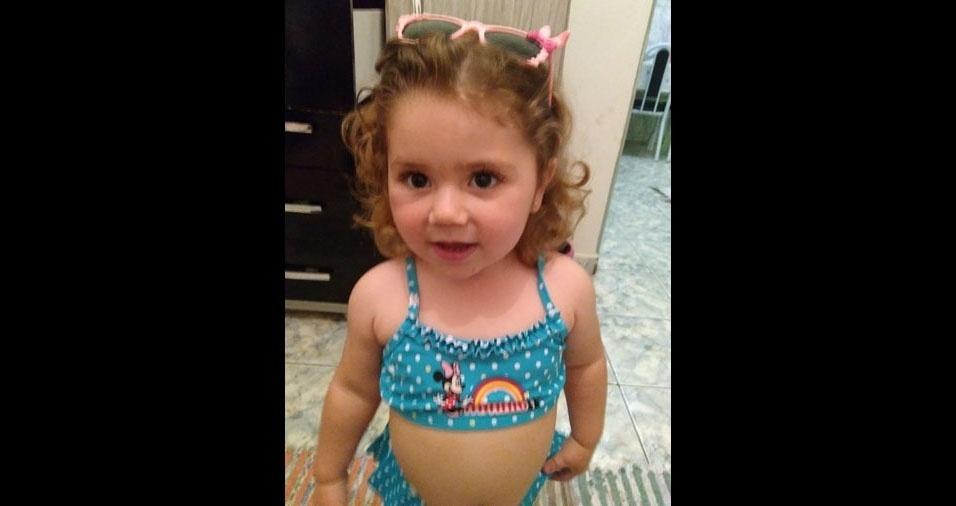"Mamãe Michelle e papai Carlos José enviaram foto da ""razão de viver. Te Amamos, filha Isabelly"""