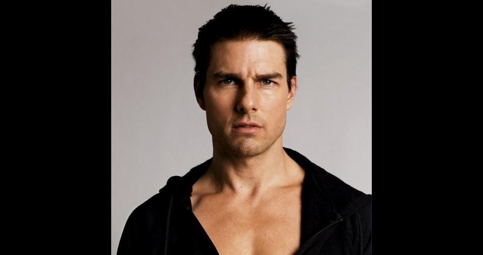 50. Tom Cruise. O veterano Tom Cruise já está com 54 anos e carrega o rótulo de galã por conta da beleza e de vários papéis de sua carreira