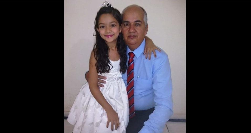 Papai Sérgio com a filhota Jennifer, de Colinas do Tocantins (TO)