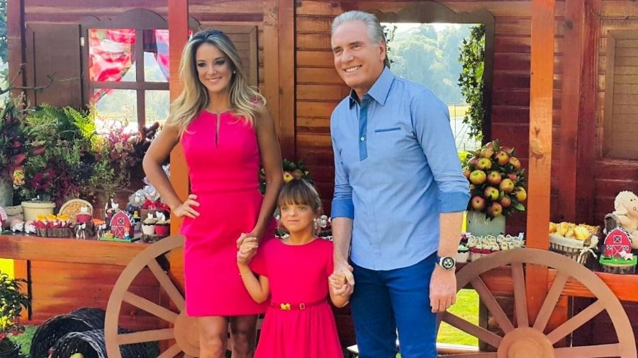 Tici e Justus no aniversário da filha, Rafa, em 2016 - Manuela Scarpa/Brazil News