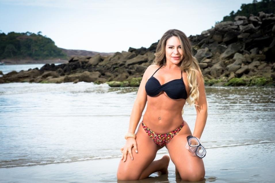 Out.2016 - 13º lugar na votação online: Cleo Cadillac (Goiás), ex-atriz pornô. Tamanho do bumbum: 107 cm