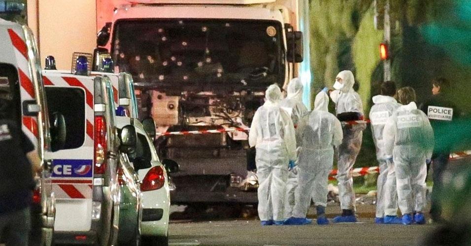 11. Nice, França. Durante as comemorações de do Dia da Bastilha, em 14 de julho, um caminhão avançou contra a multidão, matando 84 pessoas e ferindo outras 100. O Estado Islâmico reivindicou a autoria do atentado