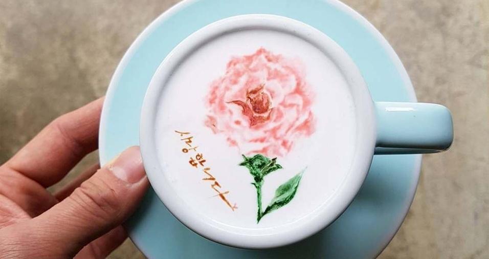 4. Flores parecem ser os desenhos preferidos do barista