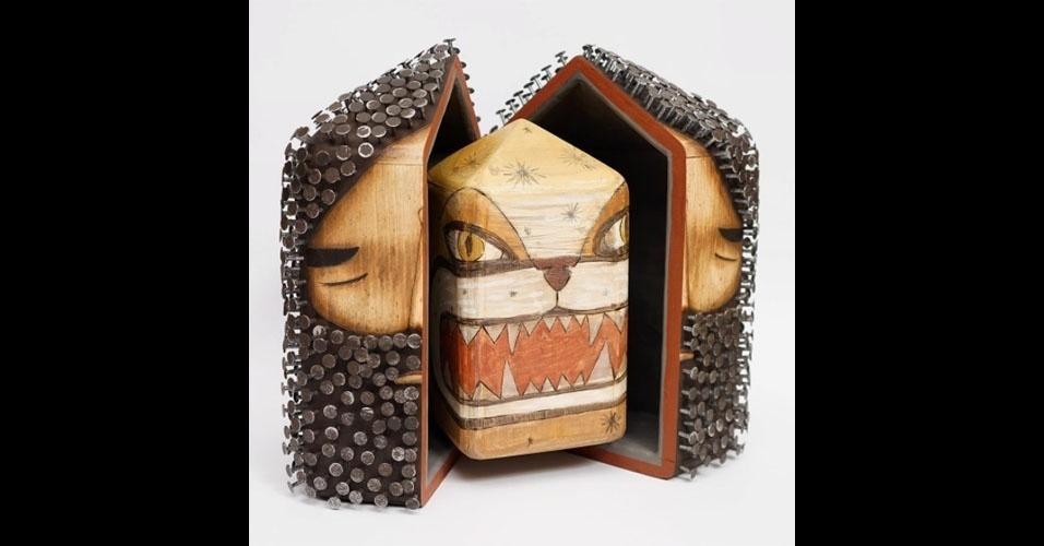 2. Obra usando madeira e pregos de Jaime Molina