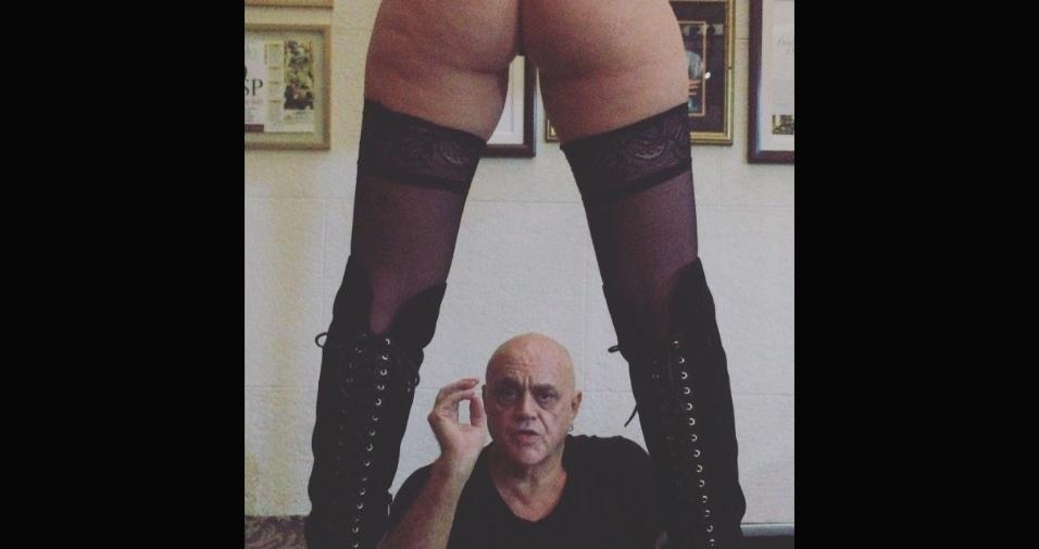 3.fev.2017 - Oscar Maroni adora ostentar na web. Em fotos com amigos, mulheres bonitas e até no motel, o empresário carrega mais de 22 mil seguidores no Instagram