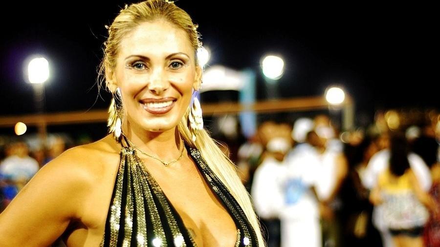 Angela Bismarchi, a fã das cirurgias plásticas - Wikipedia