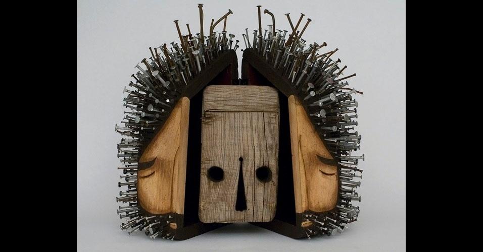 16. Obra usando madeira e pregos de Jaime Molina