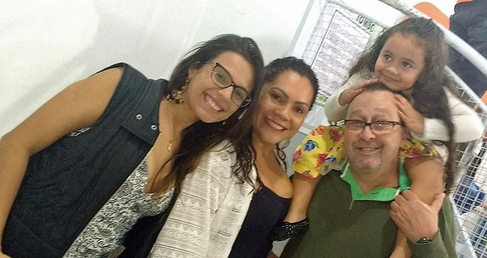 Pai Zé Fábio e suas filhas Maria Clara e Emilyn, de São Paulo (SP)