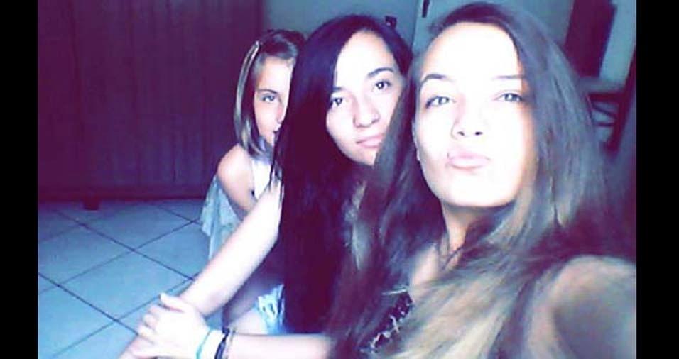 A mãe Patricia enviou a foto das três lindas crianças: Anna Beatriz, de 16 anos, Anna Caroline, de 15 anos, e Annay, de nove anos, de Fernandópolis (SP)