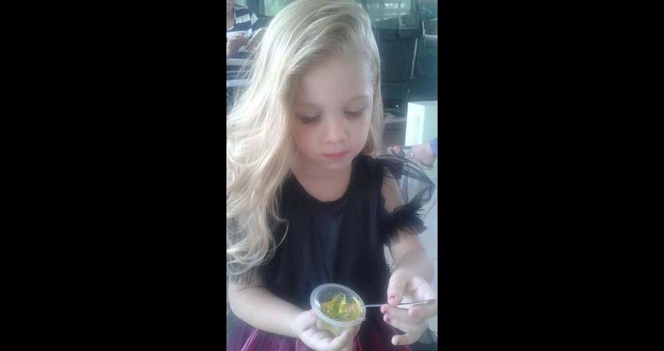 Ingrid enviou a foto da filha Lis Melo, de Alagoa Grande (PB)