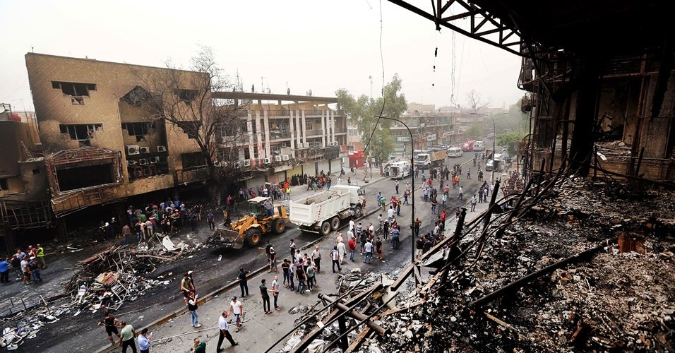 10. Bagdá, Iraque. Em 3 de julho, ataques a bomba coordenados mataram 216 pessoas. O Estado Islâmico do Iraque e Levante assumiui a responsabilidade pelo ataque